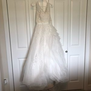 Dresses & Skirts - White asymmetrical country-style wedding dress